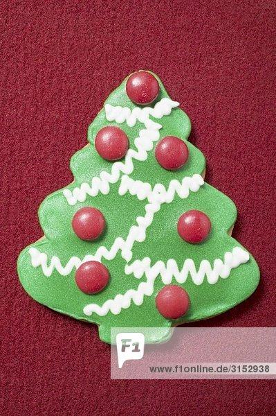 Weihnachtsplätzchen (Christbaum mit Schokolinsen) Weihnachtsplätzchen (Christbaum mit Schokolinsen)