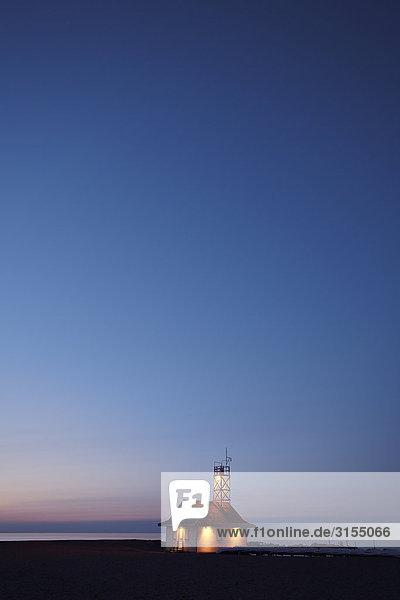 Lifeguard station at sunrise  Kew beach  Toronto  Ontario