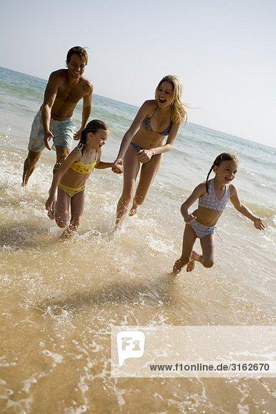 Strand Gezeiten spielen