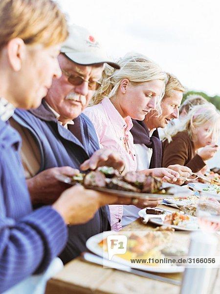 Eine Dinner-Party am Meer Schweden.