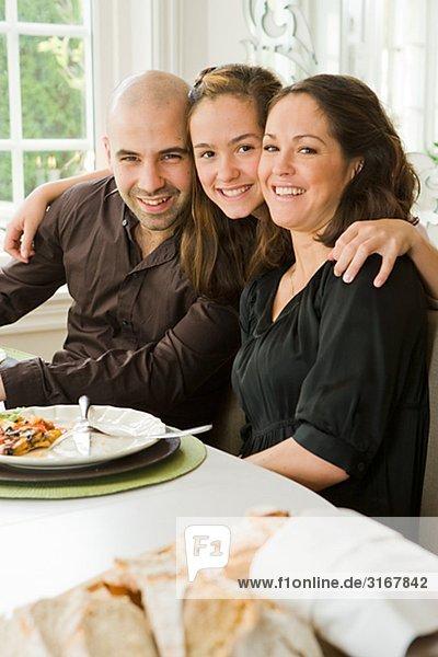 Familienbildnis an einen Tisch  Schweden.