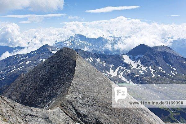 Gebirgskamm in den Hohen Tauern  Kärnten  Österreich  Erhöhte Ansicht Gebirgskamm in den Hohen Tauern, Kärnten, Österreich, Erhöhte Ansicht
