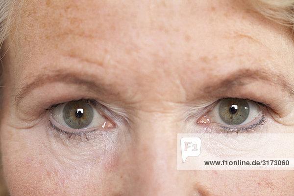 Augen einer Seniorin
