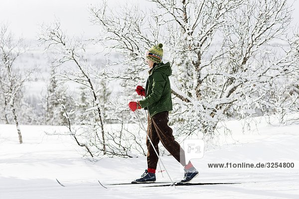 Frau Skifahren  Schweden.