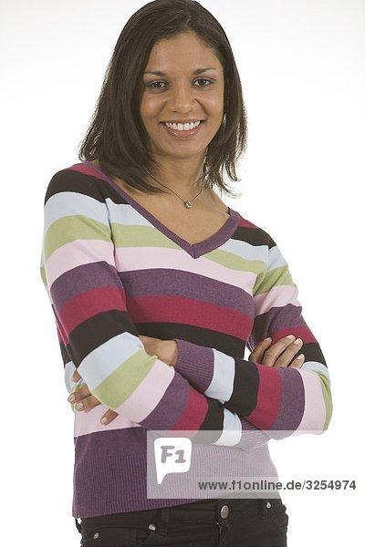 Portrait of a smiling Woman tragen einen gestreiften Pullover.