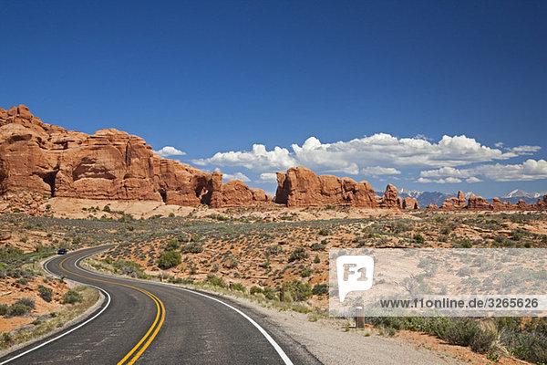 USA  Utah  Arches Nationalpark  Straße zum Fensterbereich