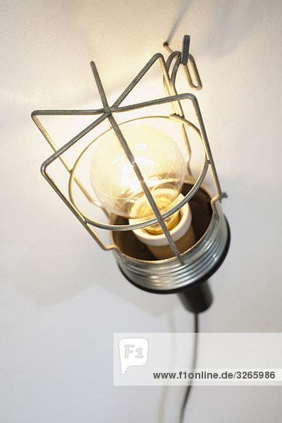 Elektrisches Licht am Haken