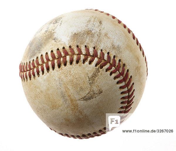 Baseball vor weißem Hintergrund  Nahaufnahme