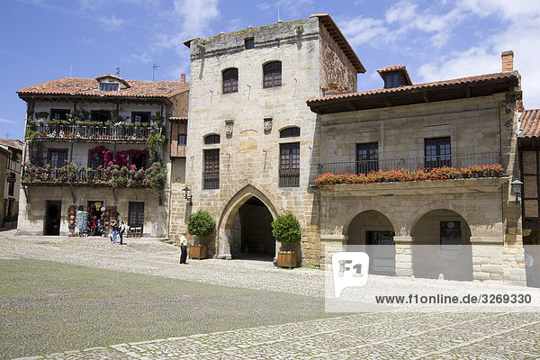 Gebäude am Stadtplatz  Santander  Kantabrien  Spanien
