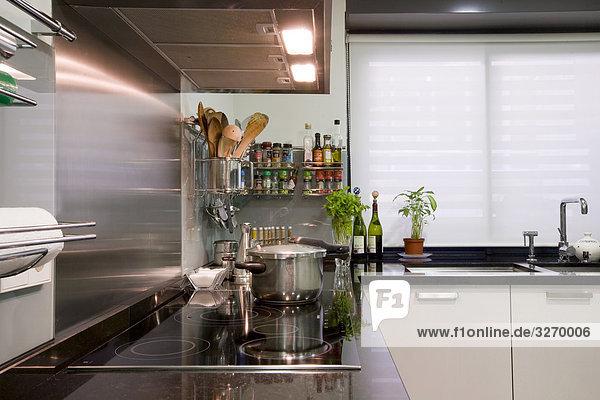Interieur der heimischen Küche  Madrid  Spanien