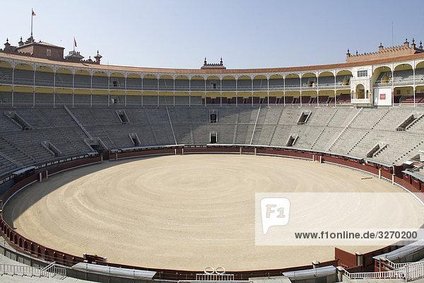 Innere der eine Stierkampfarena  Las Ventas Stierkampfarena Plaza de Toros de Las Ventas  Madrid  Spanien