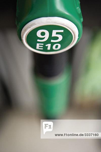 Bleifrei ''95 E10'' ist 95 Oktan Benzin mit 10% Ethanol'.