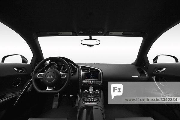 2010 Audi R8 5.2 V10 in schwarz - Dashboard  Mittelkonsole  Getriebe-Shifter-Ansicht