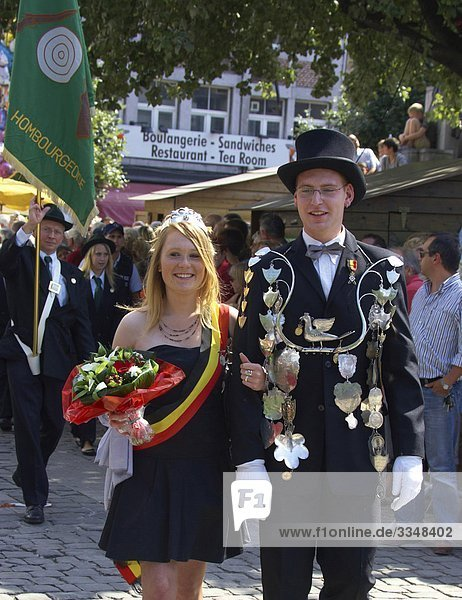 Belgien  Liege City  in Outremeuse  Roture  Parade während der Festtag des 15. August