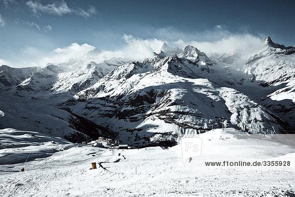 Skipiste  Zermatt  Schweiz  Erhöhte Ansicht Skipiste, Zermatt, Schweiz, Erhöhte Ansicht