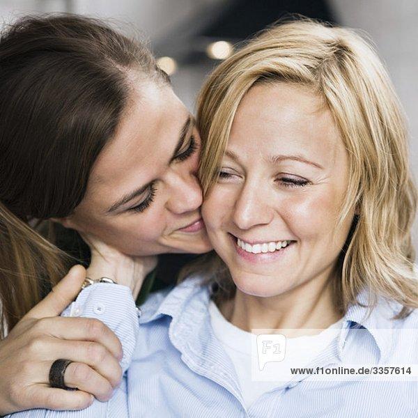 Fröhliche lesbische Coulpe Fröhliche lesbische Coulpe