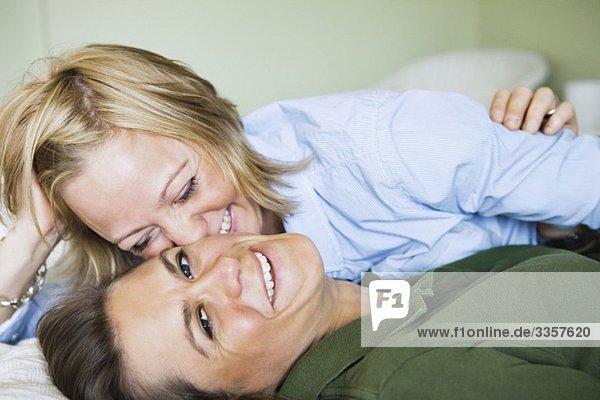 Homosexuelle Mädchen im Bett Homosexuelle Mädchen im Bett