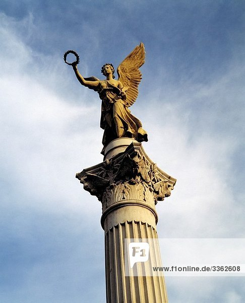 Germany  Oberhausen  Ruhr area  Lower Rhine  North Rhine-Westphalia  Old Market Place  triumphal column with angel of peace Germany, Oberhausen, Ruhr area, Lower Rhine, North Rhine-Westphalia, Old Market Place, triumphal column with angel of peace