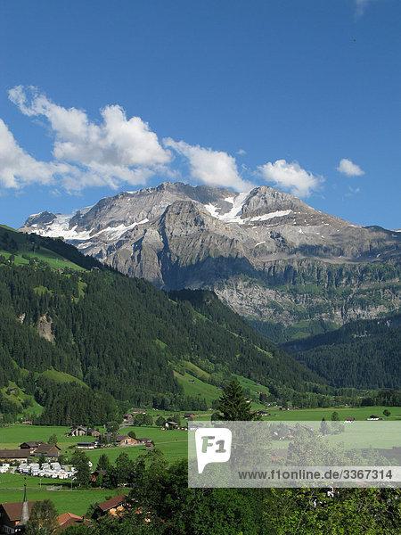 Gebirge Landschaftlich schön landschaftlich reizvoll Berg Landschaft Gebäude Tal Natur Alpen Bern Berner Oberland Gebirgszug Schweiz Kanton Bern