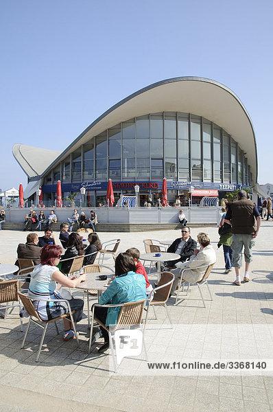 Cafe am Teepott  Warnemünde  Mecklenburg-Vorpommern  Deutschland  Europa