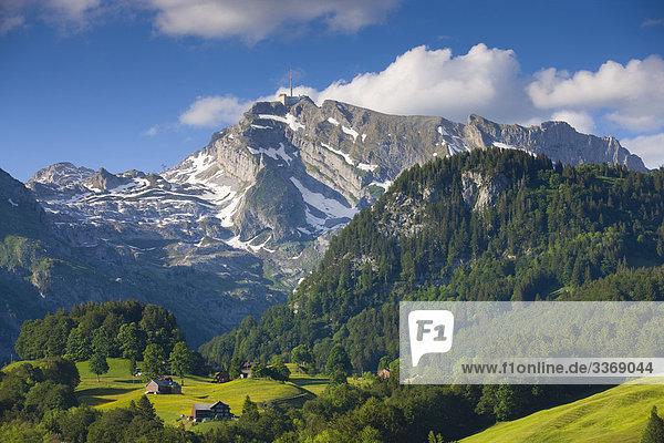 Berg Wolke Wohnhaus Gebäude Unterwasseraufnahme Schweiz