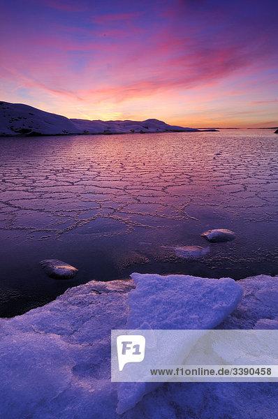 Bucht bei Sonnenuntergang