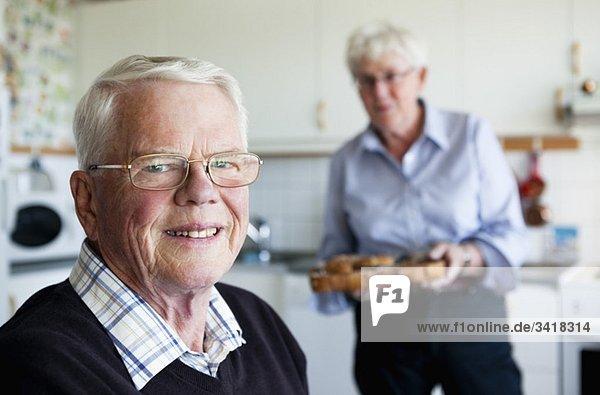 Ältere Männer und Frauen