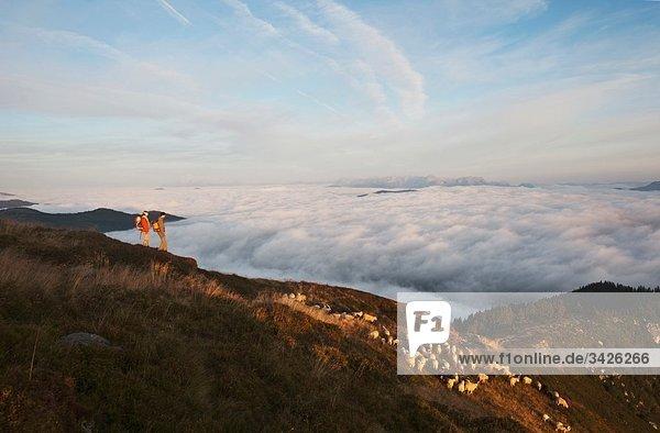 Österreich  Steiermark  Reiteralm  Wanderer in den Bergen