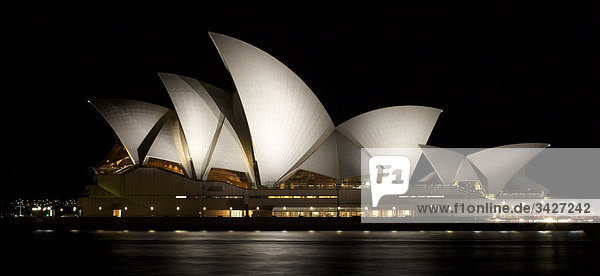 Sydney Opera House bei Nacht  Sydney  Australien