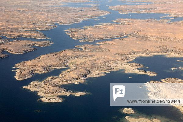 Luftaufnahme des Nassersees bei Assuan