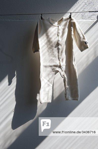 Metalldraht Baby Kleid