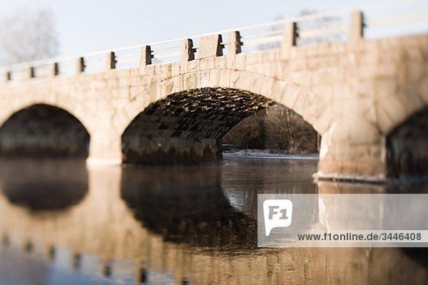 Skandinavische Halbinsel  Schweden  Sk_•ne  Blick auf Bogen-Brücke über Fluss