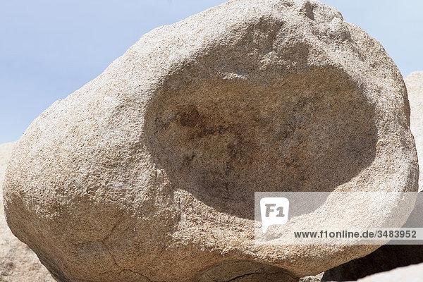 Ausgehölter Felsbrocken im Joshua Tree Nationalpark  Kalifornien  USA  Close-up