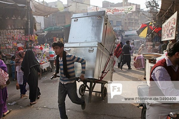 porter in Pakistan
