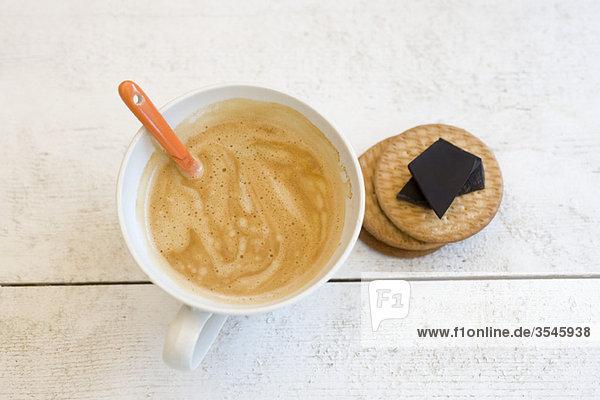 Cappuccino  Waffeln und dunkle Schokolade