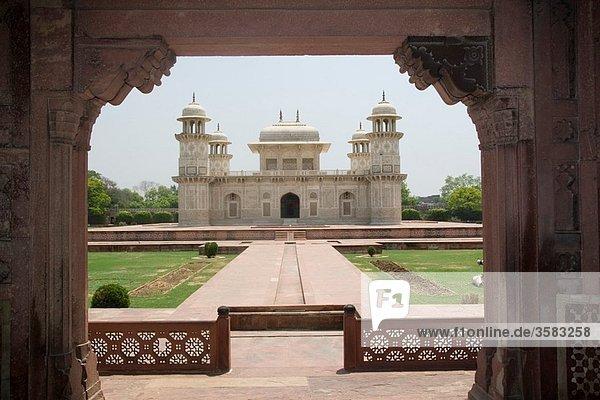 India  Uttar Pradesh  Agra  Tomb of Itmad-Ud-Daulah´s also known as the Baby Taj Mahal