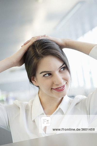 Nahaufnahme einer lächelnden Geschäftsfrau