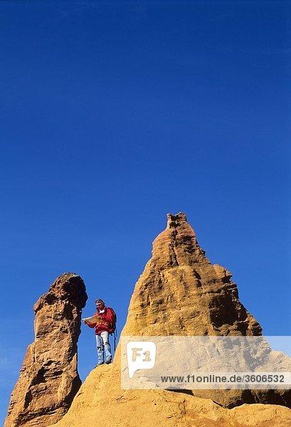 Provence - 84 Vaucluse - Europa - Frankreich - Rustrel - Luberon - Colorado - PACA - Parc Naturel regionale du Luberon - Pays d_Apt