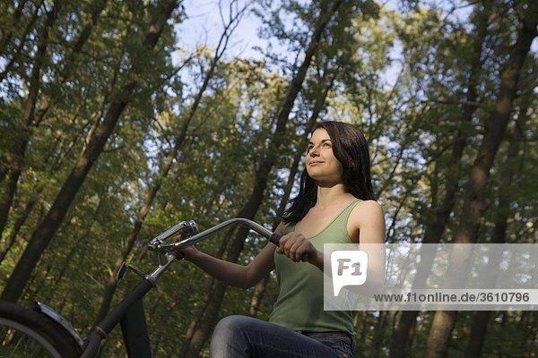 Frau Wichst Ihren Partner Im Park