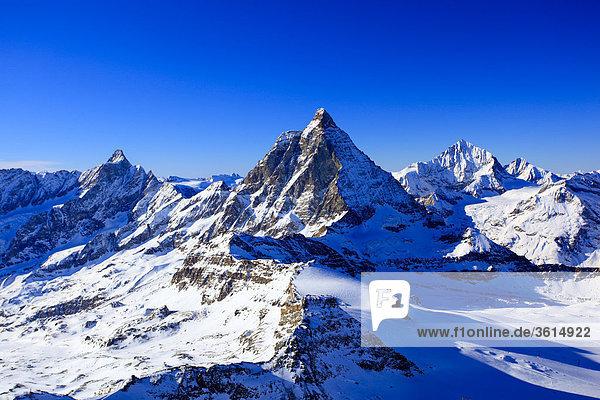 Alpen  Aussicht Klein Matterhorn  Dent Hérens - 4171 m  Matterhorn - 4478 m  Dent Blanche - 4357 m  Wallis  Schweiz