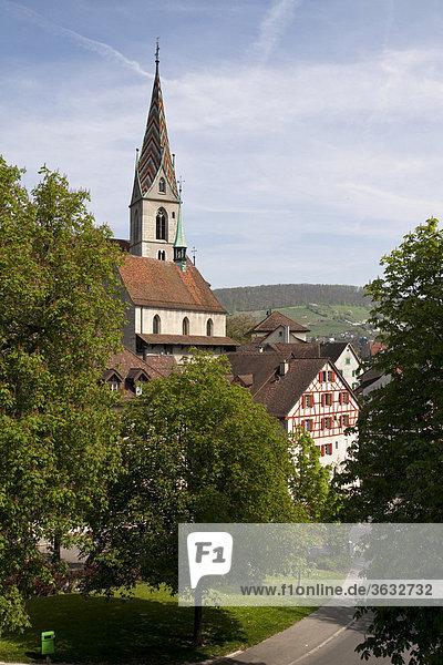 Stadtansicht von Baden mit der Stadtpfarrkirche Maria Himmelfahrt  Kanton Aargau  Schweiz  Europa