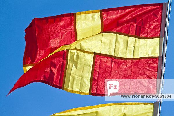 Signalflagge für den Buchstaben R innerhalb der Schifffahrt  Flagge für das Signalalphabet  Flaggenalphabet