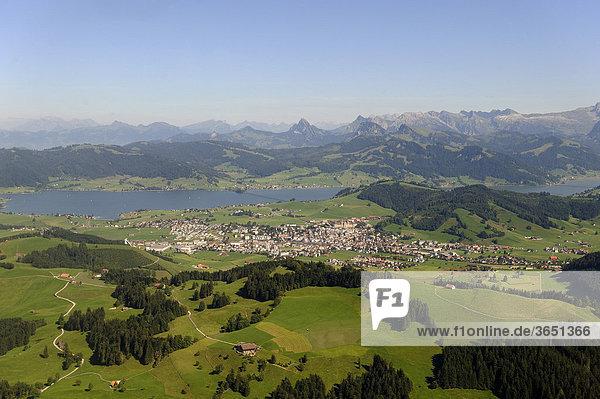 Luftaufnahme  Sihlsee  Kanton Schwyz  Schweiz  Europa