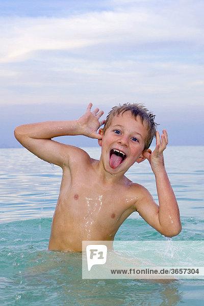 badende buben - insgesamt 93 Bilder bei Bildagentur F1online