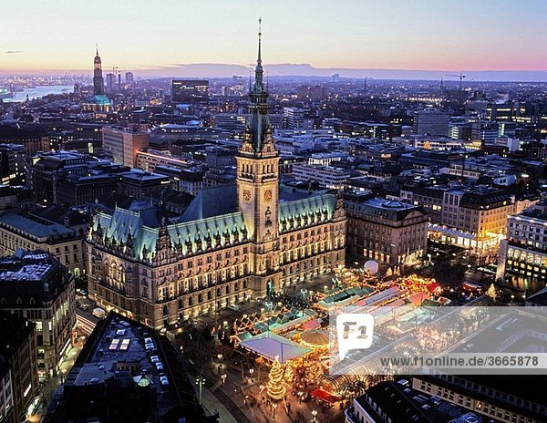 Christmas Market in front of the town hall  Hamburg  Germany