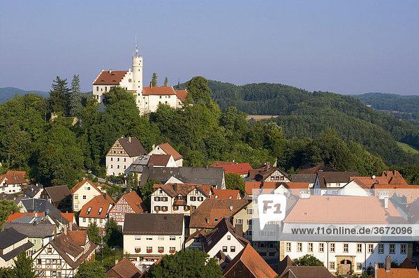 Gössweinstein Kreis Forchheim Mittelfranken Bayern Deutschland Burg über dem Ort