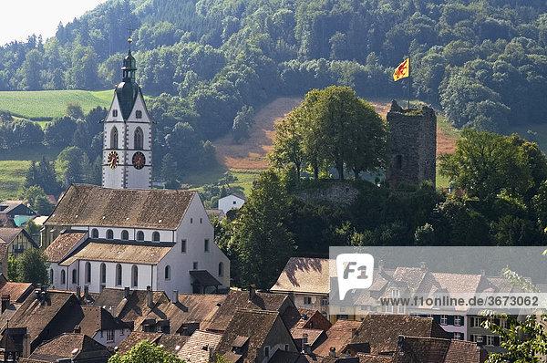 Laufenburg am Rhein Baden-Württemberg Deutschland und Schweiz Pfarrkirche auf der Schweizer Seite