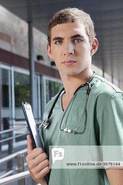 Porträt von männliche Krankenschwester
