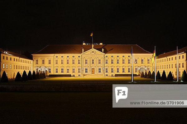 Schloss Bellevue  der Sitz des Bundespräsidenten in Berlin  Deutschland  Europa
