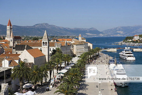 View on the waterfront promenade from the tower of the Karmelengo castle  Trogir  Central Dalmatia  Croatia  Europe